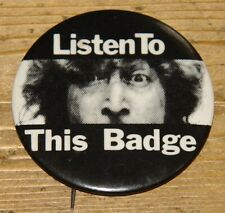 JOHN LENNON LISTEN TO THIS BADGE VINTAGE USA WALLS BRIDGES PROMO PIN BADGE 1974