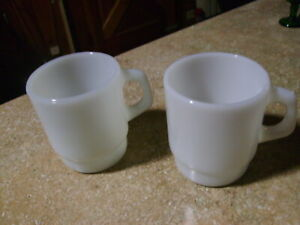 ANTIQUE FIRE KING ANCHOR HOCKING WHITE D HANDLED COFFEE MUG'S