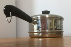 Revere Ware Steamer/Strainer Insert With Handle and Lid. Fits 2 and 3 Quart Pots