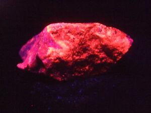 Barytocalcit Manganocalcit Svabit 7,1x6,1x3,3cm Rohstein UV-Mineralien-Rohsteine