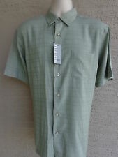 VAN HEUSEN MICRO SMOOTH S/S STRAIGHT BOTTOM  POCKET SHIRT  M MSRP. $50.