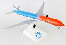 KLM - Orange Pride - Boeing 777-300ER 1:200 SkyMarks SKR972 Flugzeug Modell B777