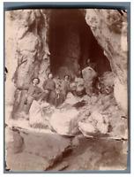 France, 2e Grotte du Trou  Vintage citrate print. Groupe de spéléologues  Tira