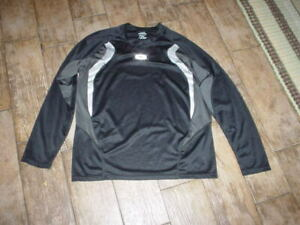 Oakley Men's long sleeve shirt Adult Size Large Gray black Athletic Top poly