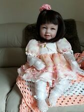 Incroyablement beau bébé poupée Entièrement neuf dans sa boîte