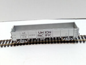 Accurail Union Pacific gondola   Ho Scale freight car Kadee coupler