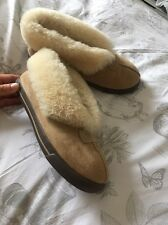 Ugg Enclosed Slippers Size 7.5 No Reserve!!
