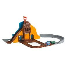 Thomas & Friends - Roaring Dino Run Train Set BCX23 (Fisher Price) NEW