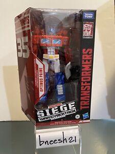 Hasbro Transformer Siege War For Cybertron VOYAGER OPTIMUS PRIME WALMART MISB