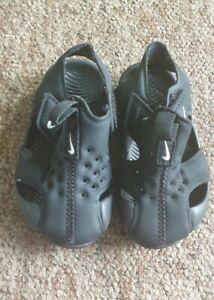 Nike black sandal size UK 3.5 infant