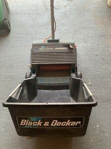 Pre-owned Black & Decker Lawn Raker with Grass Box