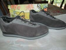Stuart Weitzman Low Top Gray Suede and Leather Relay Fashion Sneakers SZ 11M