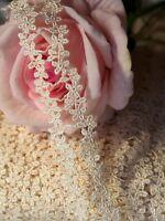 1 Meter Spitzenband Borte Bordüre Ätzespitze 30mm cremeweiß Blume