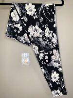 LuLaRoe BWC TC Leggings #2097 - Gray & White Flowers on Black - Tall & Curvy