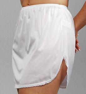 """Vanity Fair Daywear Solutions 100% Nylon White Half Slip Size Large Length 18"""""""