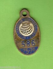 #D69. 1975-1976  SHELLHARBOUR  WORKERS  CLUB  MEMBER  BADGE #586