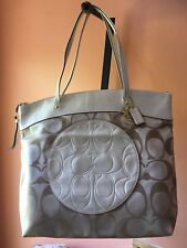 Authentic COACH Signature C Tote LAURA Cream/White F18335 Large Bag