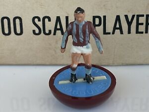 Subbuteo HW HP SPARE. Crystal Palace Ref 40