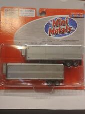 Mini Metals 1:87 Scale 32' Aerovan Trailer Set- Unmarked Refrigerated