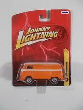 Johnny Lightning 1/64 1965 VW Transporter