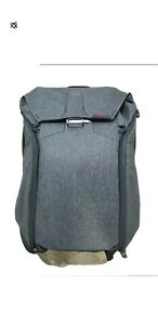 Peak Design Everyday Backpack  Charcoal no signs of wear!
