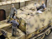 1/35 Resin FERDINAND CREW 3 Tankers Unpainted Unassembled BL843
