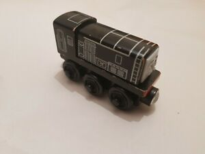 Thomas The Tank Engine & Friends WOODEN DIESEL TRAIN WOOD COMBINED POSTAGE