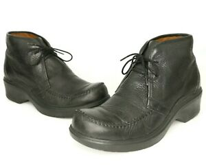Ariat WOMEN'S Black Leather Distressed Heeled Ankle Boots Size 9B US