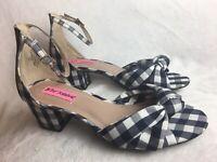 New BETSY JOHNSON Womens 8 M Heels Plaid Sandal Checkered Navy White Ankle Strap