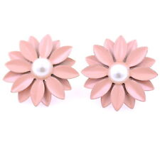 Pretty big pink daisy flower stud earrings with pearl