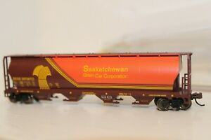 N Scale Bachmann Set of 4 - 2 Cylindrical Hoppers, Coal hopper, and Freight car