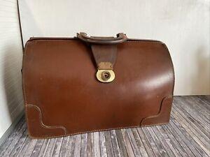Briefcase Vintage, Retro, Collectable, Film Prop.Great Condition 1970s Briefcase