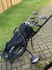 New listing Howson right handed golf clubs and trolley