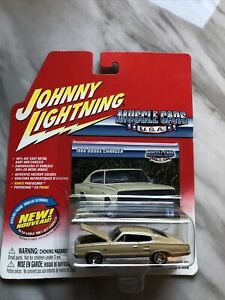 Johnny Lightning Muscle Cars USA 1966 Dodge Charger