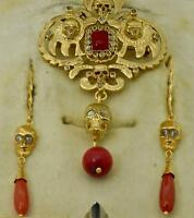 MUSEUM Victorian Memento Mori Skull 18k Gold,Diamonds&Coral pendant/earrings set