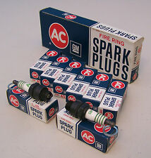 Box (8) NOS AC 45 Spark Plugs FIRE RING 4 Equal Green Rings 1559493