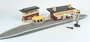 TRIANG HORNBY R473 STATION BUILDING + PLATFORMS ETC VERY GOOD UNBOXED OO(WT)