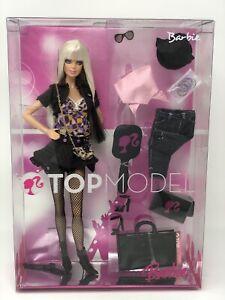 Top Model BARBIE 2007 Rule The Runway. New