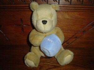 Gund 1997 Classic Pooh Bear