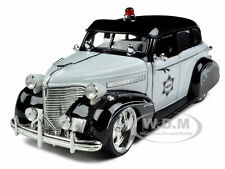 1939 CHEVROLET MASTER DELUXE POLICE 1/24 DIECAST MODEL CAR BY JADA 96391