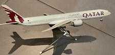 Avion Qatar plane  agence   Résine qualité Model 37 cm