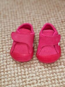 Nike pink pram shoes for baby girl size 0.5