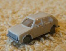 Fleischmann    (Spur N)  1:160     PKW  VW Golf - creme  (Auktion 1)