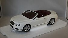 Minichamps 100139032 - BENTLEY CONTINENTAL GTC 2006 Blanc  1/18