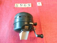 T5969 F ZEBCO 202 SPINCAST FISHING REEL GREEN W METAL FOOT  MADE IN THE USA