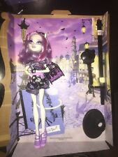 Monster High Scaris City Of Frights Catrine DeMew De Mew White Cat With Outfit