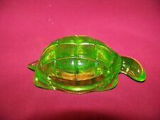 GREEN VASELINE GLASS  POINT TAIL TURTLE   (( id176333 ))