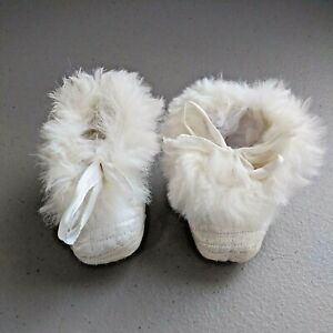 Cradle Knit VTG Quilted Satin Baby Doll Shoes Sz 0 White Tie Closure Fur Lined