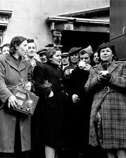 WWII ENGLISH WOMEN SERVED HOT COFFEE 8x10 SILVER HALIDE PHOTO PRINT