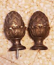1 paire de boule de rampe d'escalier pomme de pin en bronze ou laiton anciennne